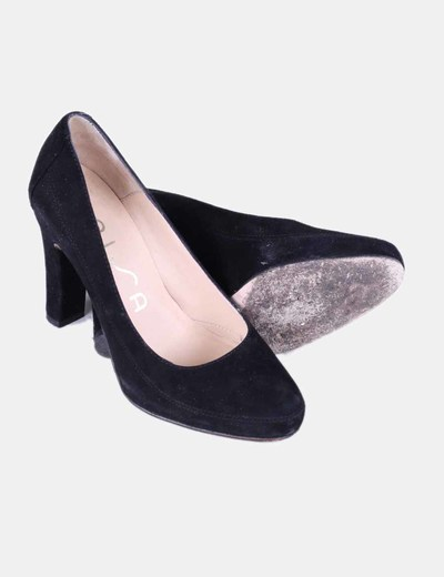 Zapato negro de ante