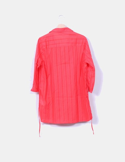 Camisola roja de rayas