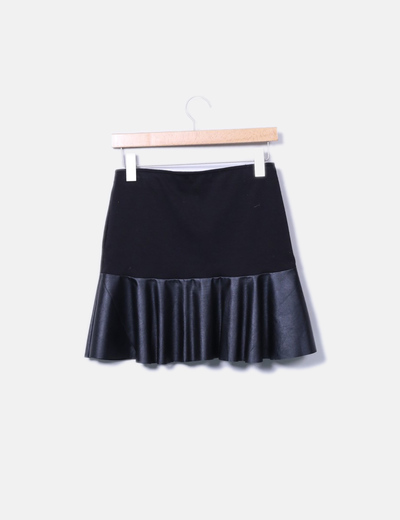 Mini falda negra volantes polipiel