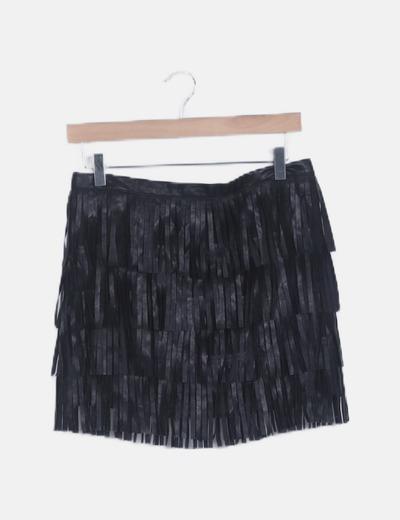 Mini falda negra flecos polipiel