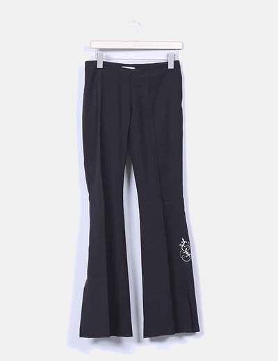 Pantalón negro de pinza bordado lateral Pimkie