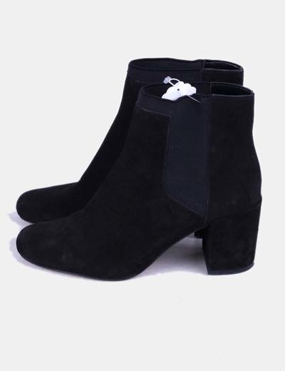 Botines ante negro elásticos Zara