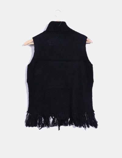 Jersey negro con flecos