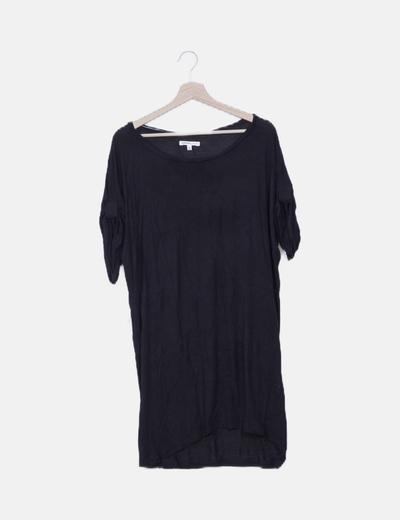 Vestido fluido negro manga corta