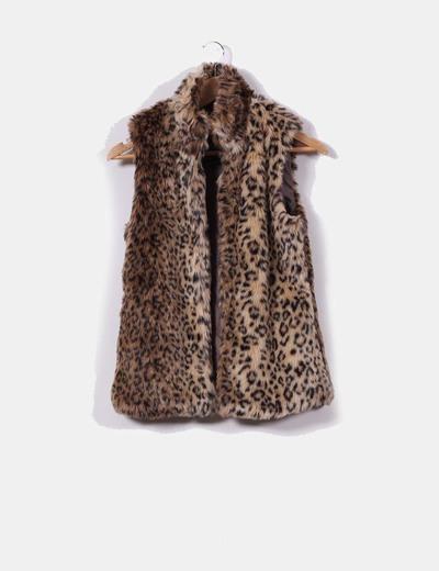 Bershka Chaleco de pelo print leopardo (descuento 63%) - Micolet fb19287b3e15