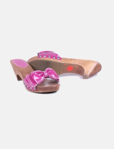 Sandalias rosas con lazo de tacon