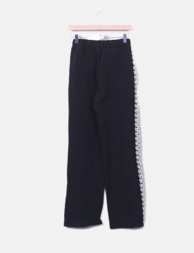 Pantalon baggy negro franjas strass