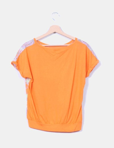 Blusa naranja combinada con estampado cachemira