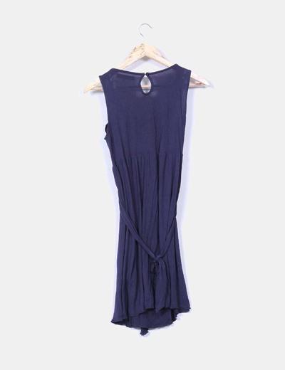 Vestido con chorrera azul marino