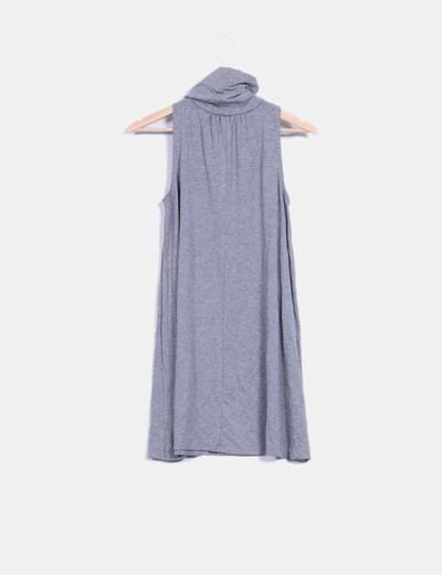 Vestido gris basico con cuello alto