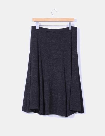 Falda midi negra con brillos plateados