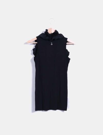 Camiseta negra con volantes