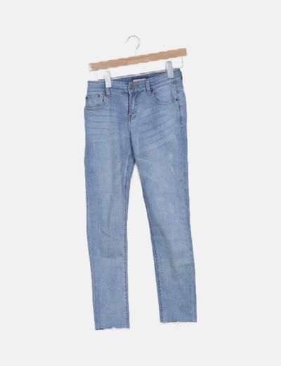 Jeans denim azul claro efecto desgastado