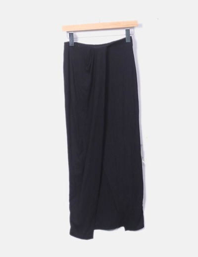 Falda negra detalle cruzado