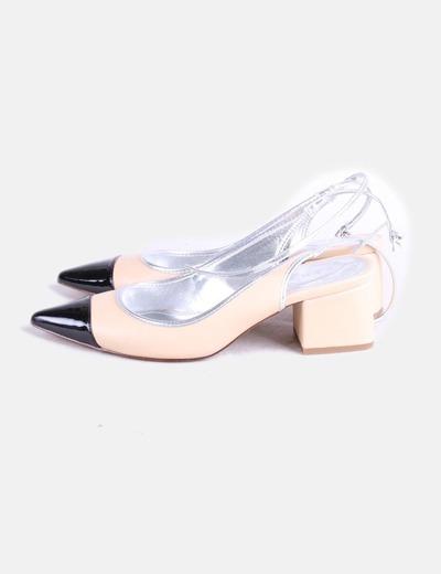 Zapato tricolor de punta