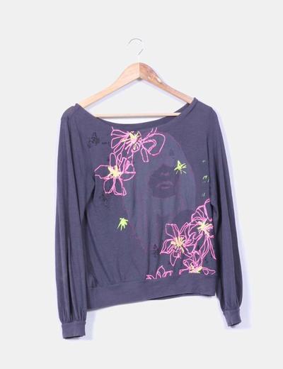 Camiseta con detalles florales Mango