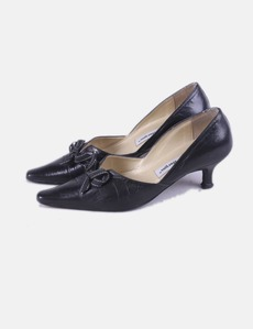 e373f01a3d5 Zapato negro punta Pilar Burgos