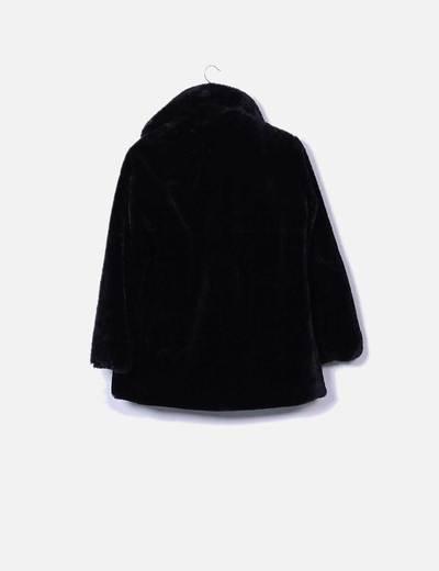 Chaqueta de pelo sintetico negro