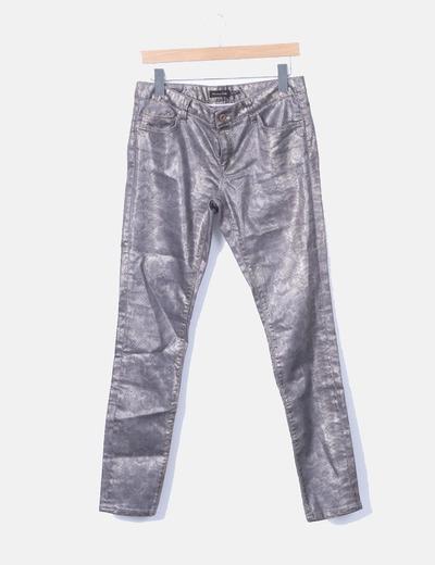 Pantalón pitillo plateado
