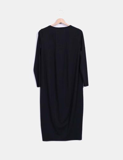 Vestido midi negro manga larga fluido