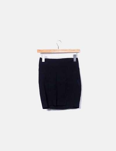 Falda negra con cremallera