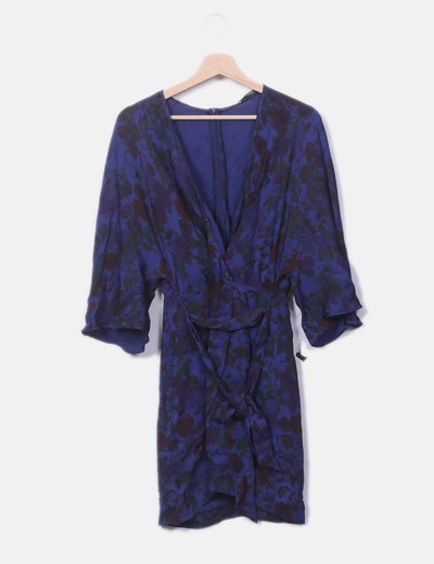 Vestido fluido azul floral