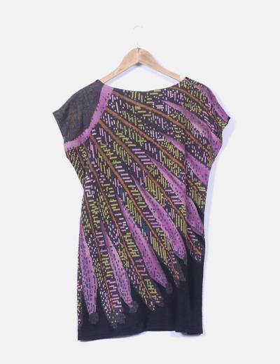 Vestido estampado con detalle de plumas
