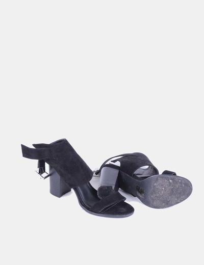 Sandalias ante negro