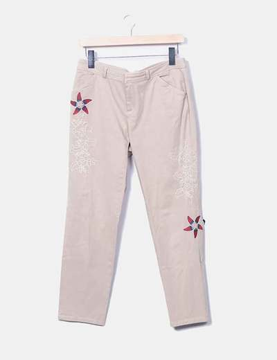 Embroidered beige trousers Desigual