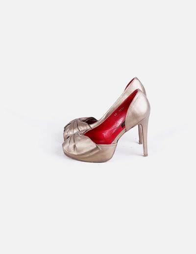 Zapato tacón dorado lazo Gio Rodrigues