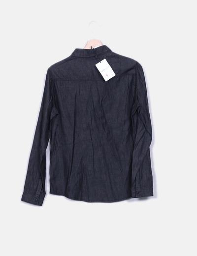 Camisa denim negra con bordado floral