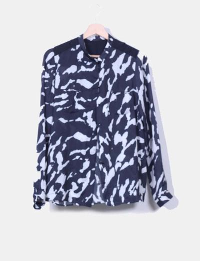 Blusa azul marina y blanca NoName