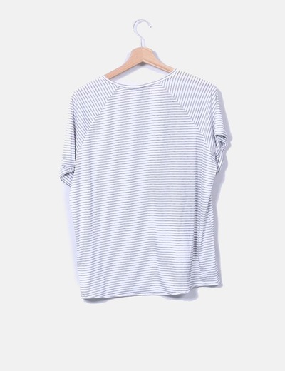 Camiseta blanca con rayas manga corta