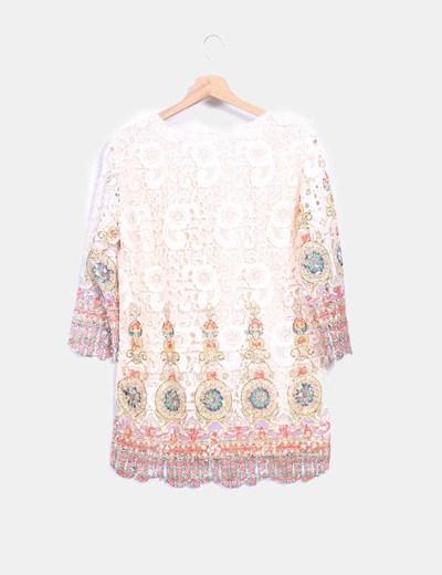 Blusa en crochet nude con estampado multicolor