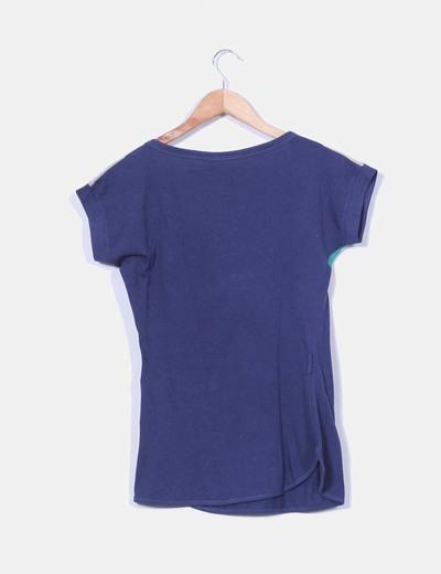 Camiseta azul marino manga corta escote verde