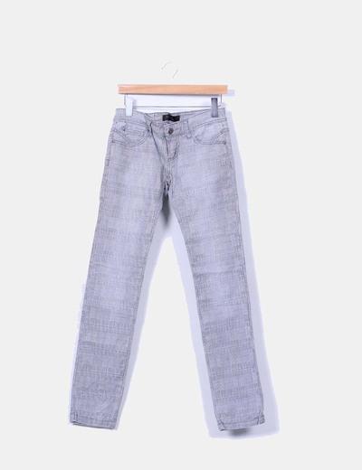 Jeans denim gris de cuadros Stradivarius