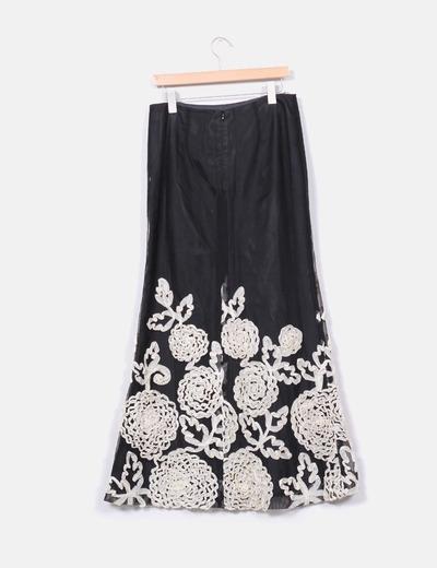 Falda larga negra con flores