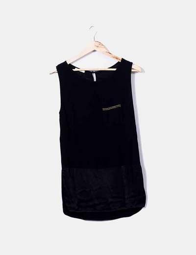 Camiseta negra de tirantes detalle bolsillo Promod
