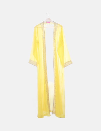 Kimono amarillo encaje dorado