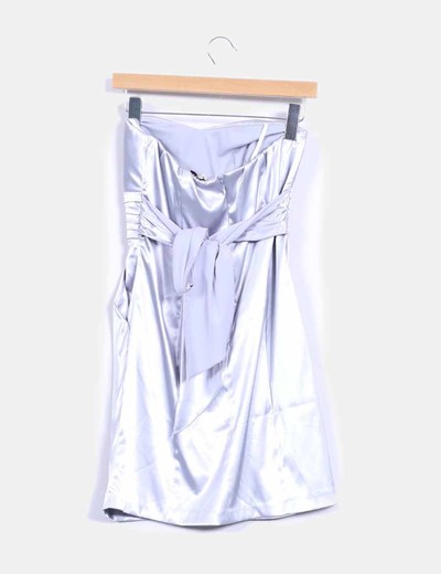 Vestido de raso plateado
