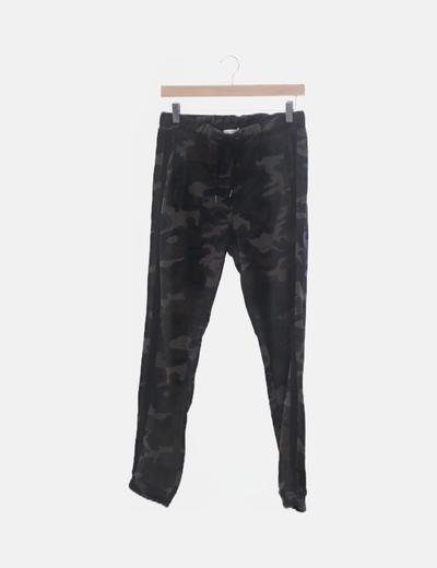 Pantalón baggy camuflaje