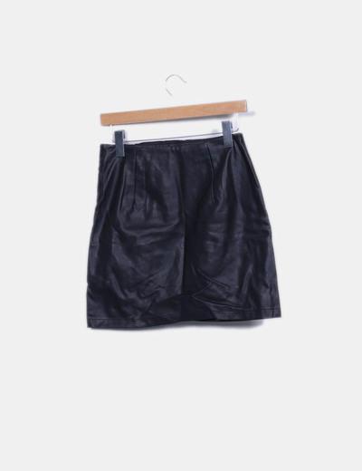 4c4590b0b Minifalda negra de cuero