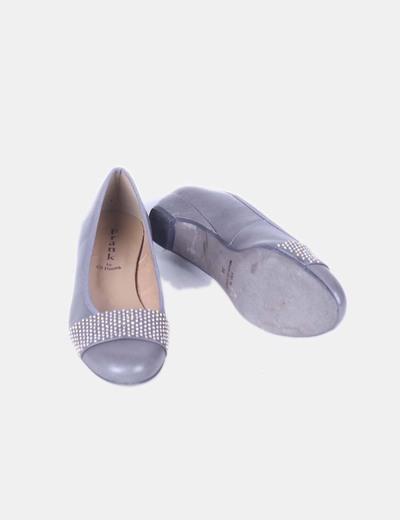 Bailarina gris con pedreria