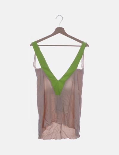 Blusa beige y verde combinada