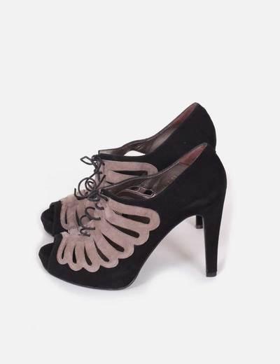 Zapatos abotinados abiertos Angari