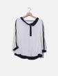 Blusa beige y negra detalle botones Hoss Intropia