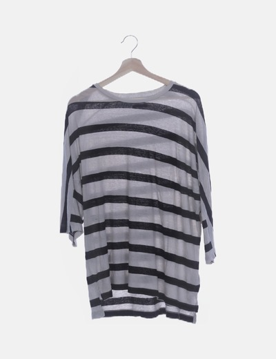 Camiseta blanca raya negra
