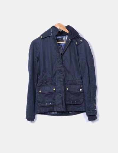 Parka azul marina con bolsillos y capucha Zara