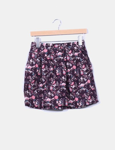 Falda color berenjena estampada floreada Stradivarius
