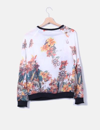 Camiseta semitransparente floral